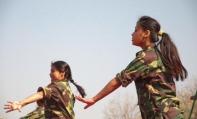 सांस्कृतिक कार्यक्रम प्रस्तुत करते माओवादी कार्यकर्ता